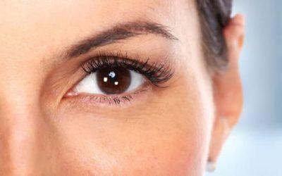 Injection de botox ou blépharoplastie, faut-il choisir ?